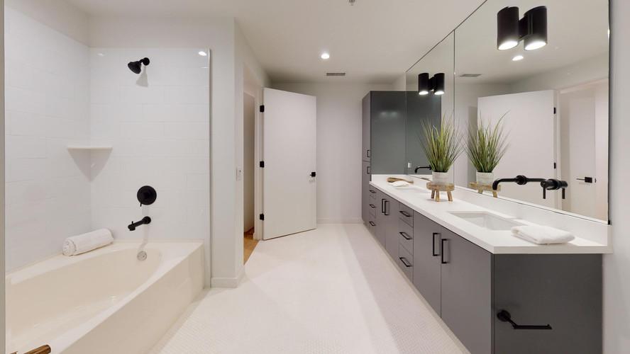 vica-501-bathroom.jpg