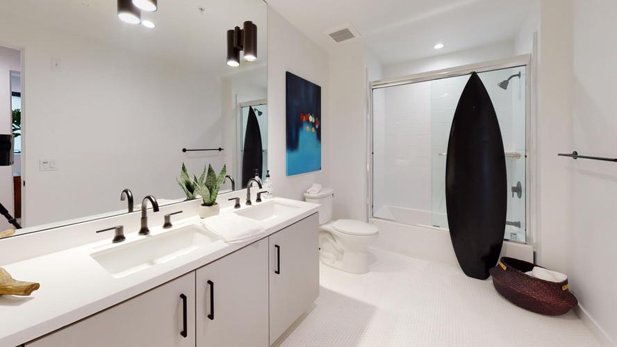 vica-501-bathroom1.jpg