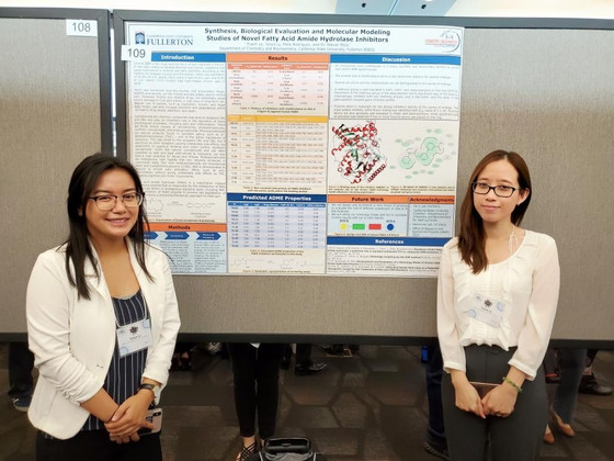 Thanh and Tanya Presented their Posters at SCCUR in San Marcos