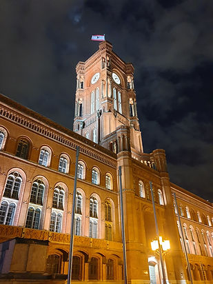 красная ратуша, берлин вечером, берлин г