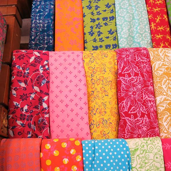 balinesische batik stoffe bunt