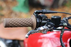 Red TU125 grips