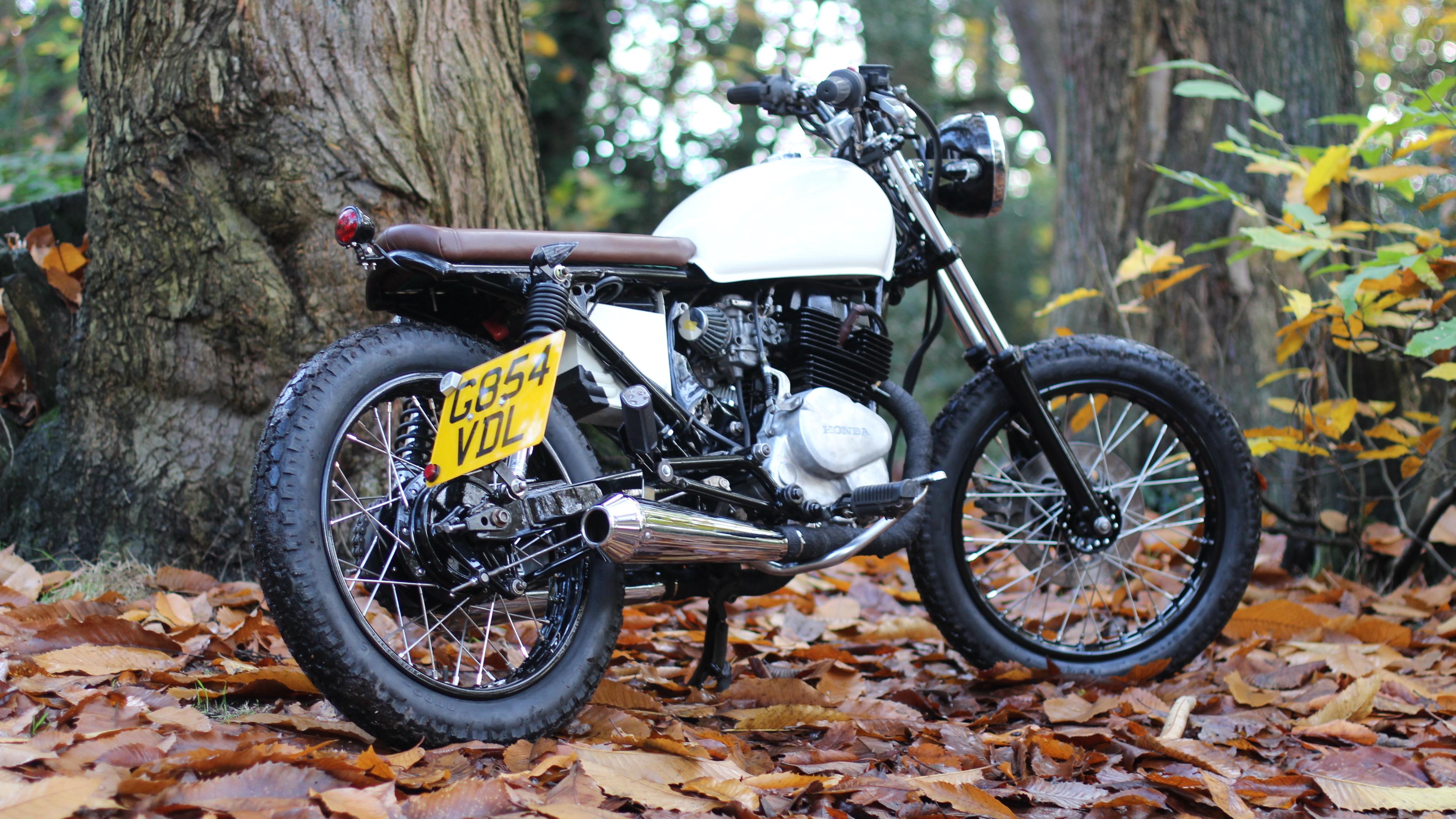 Honda CD250cc 13