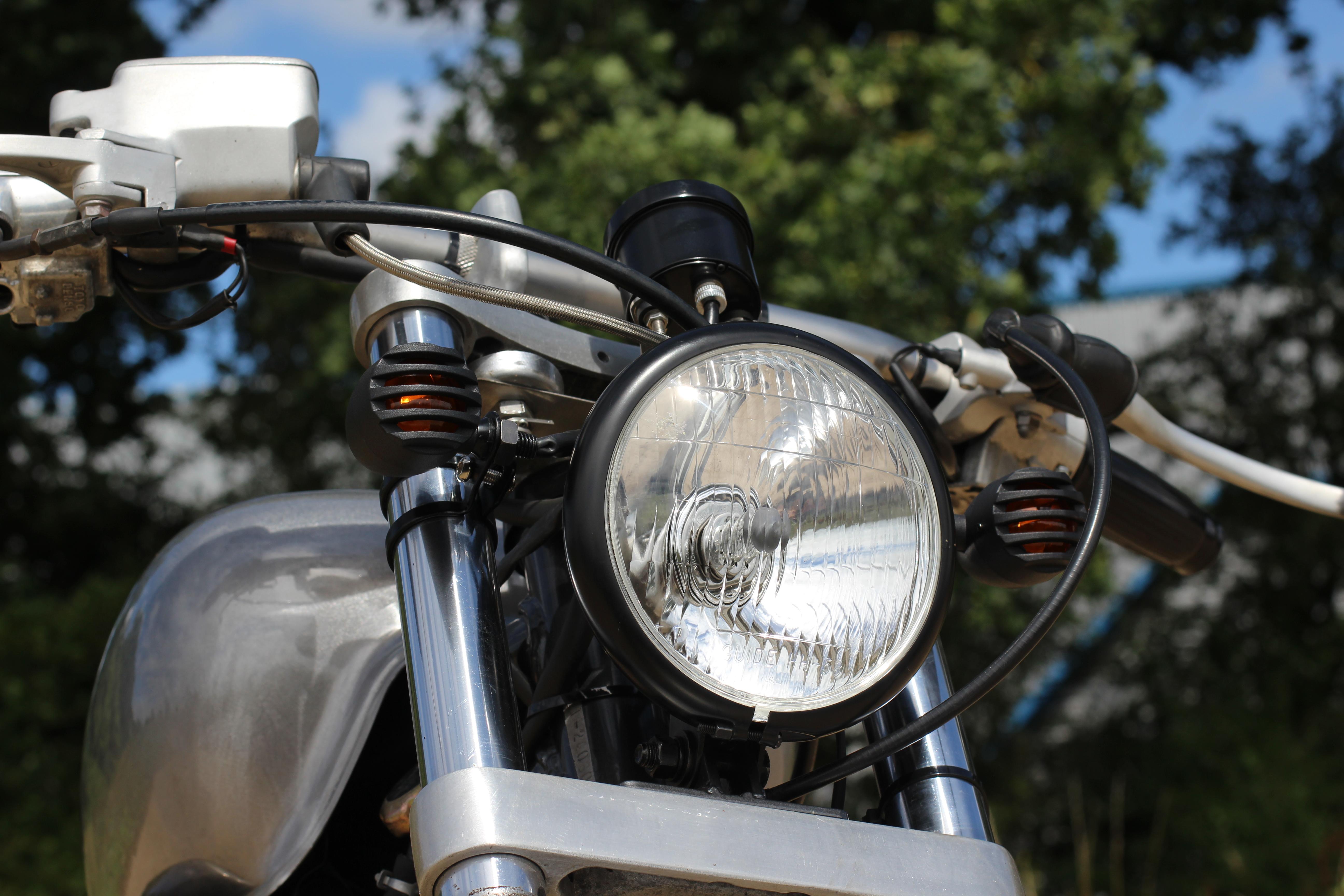 Honda VT 600 front close