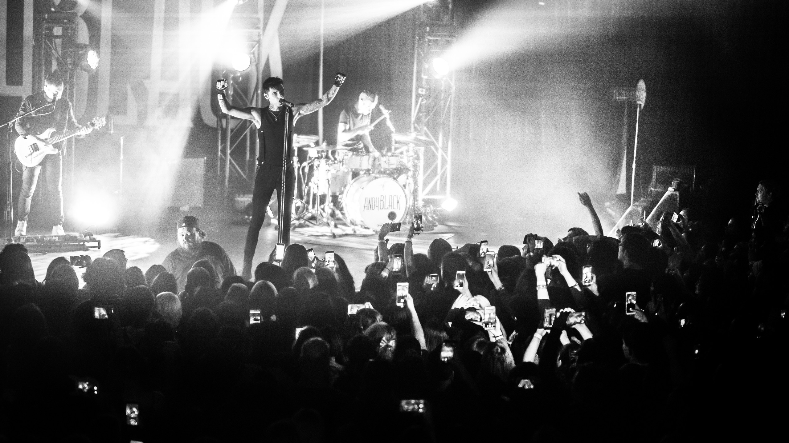 2017-03-03 Andy Black - Pomona - Glass House - NO THUMB-41