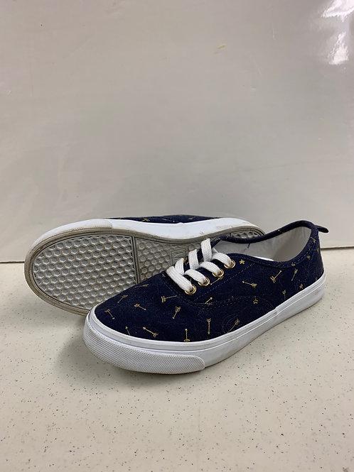 Size 1 (Kids) Old Navy Low Top Sneakers