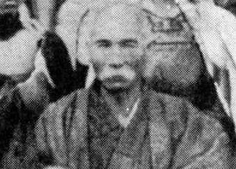 Itosu Anko(1831-1915), een van de leraren van Funakoshi Gichin en verantwoordelijk voorhet introduceren van karate op Okinawaanse scholen.