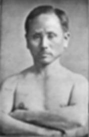 Funakoshi Gichi (1868-1957),grondlegger van de karate stijl Shotokan en een van de leraren van Hironori Ohtsuka.