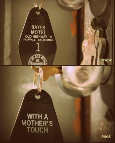 BATES MOTEL KEY TAG & BATES DOOR HANGAR