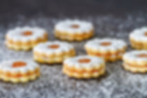 detail-of-finished-apricot-linzer-cookie