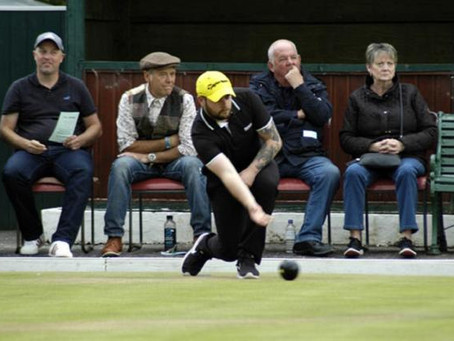 Spinning touchers and a man called 'Juan' - your weekly bowls report
