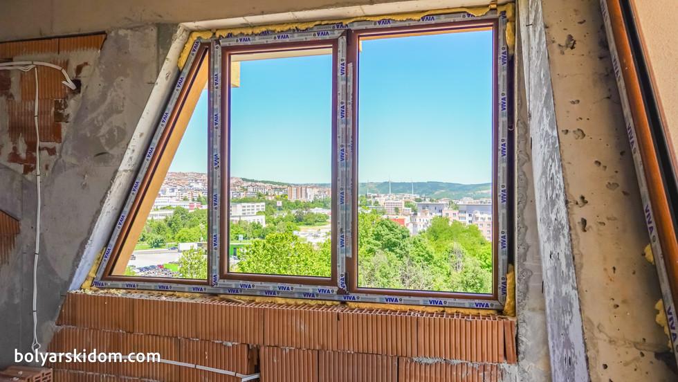 Изгледът от уникалният апартамент в БОЛЯРСКИ ДОМ II