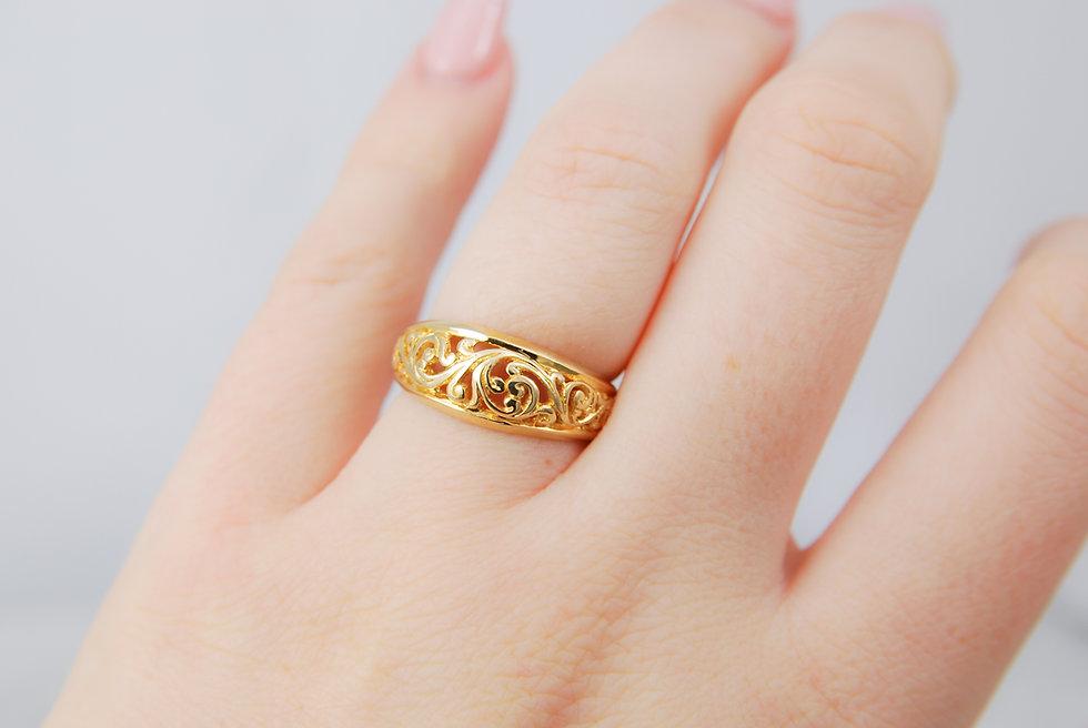 #33, 14kY Scroll Ring-3.jpg