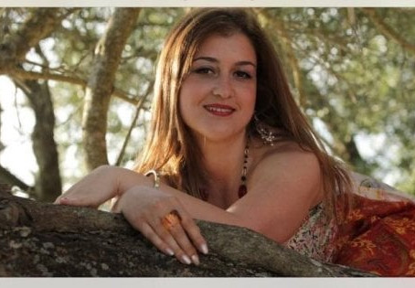 """Riaperto il caso su 37enne morta. La sorella gemella: """"Non ci si suicida con 4 coltellate alla gola"""