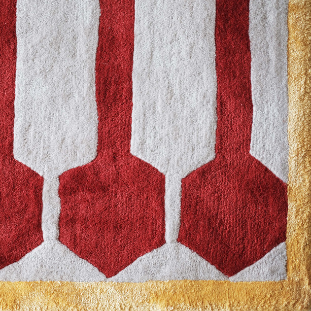 Ivar Centre Point Rug Red