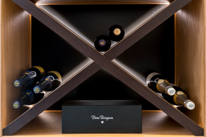 How to choose a modern drinks cabinet