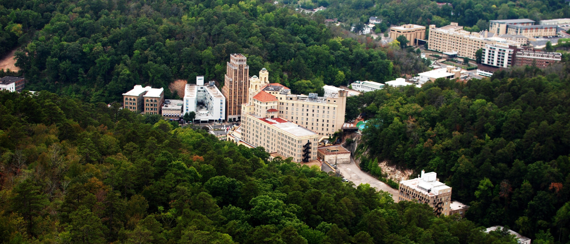 Downtown_Hot_Springs%2C_Arkansas_(aerial
