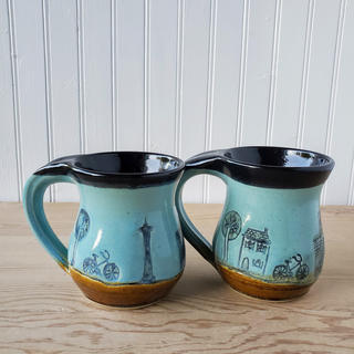 Black Seattle Mugs