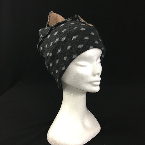 Cozy polka dot winter hat