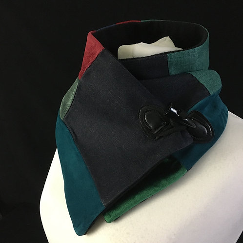 Black blue green and red neck warmer