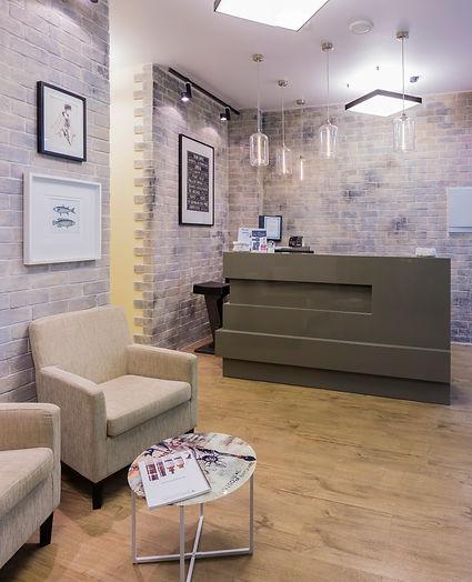 дизайн интерьера входной зоны салона красоты в стиле лофт