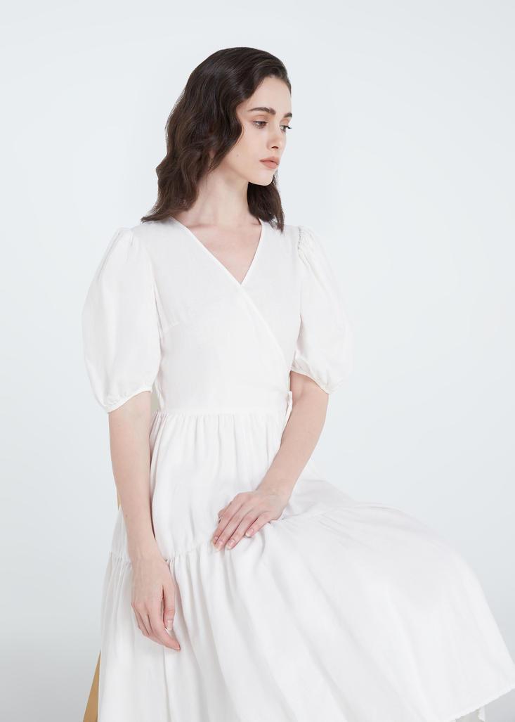 whitedress1.jpg