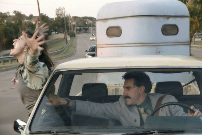 Algo más que Electra: Crítica de Borat, siguiente película documental