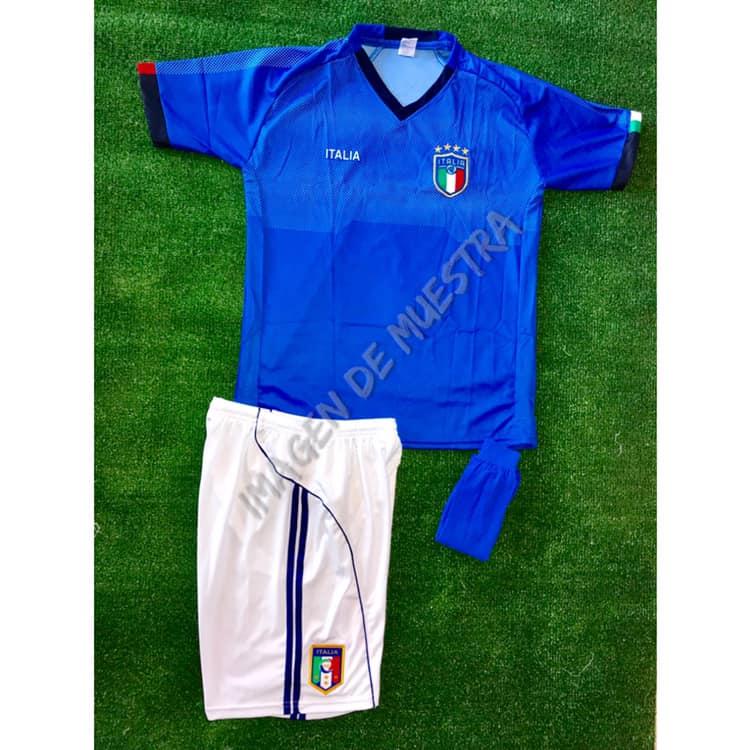 Número en la espalda - Short con escudo - Medias Nombre  15.00 (opcional)   Paquete de 12-24 uniformes 74d721a5fd982
