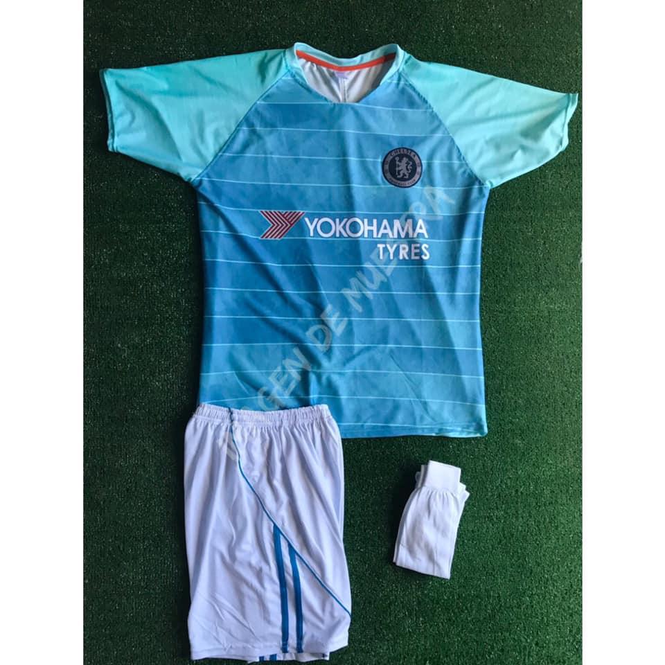 8c2941928b487 Número en la espalda - Short con escudo - Medias Nombre  15.00 (opcional)   Paquete de 12-24 uniformes