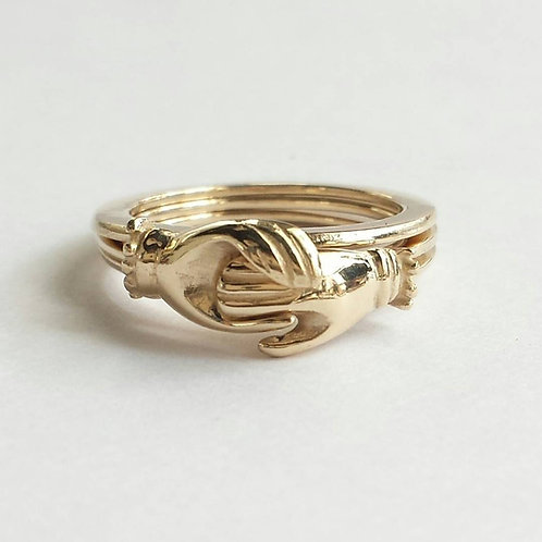 14K Yellow Gold Gimmel Ring. Protective Hands Ring