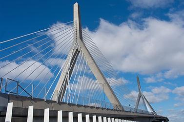 Zakim Bunker Hill Memorial Bridge in Bos