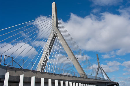 Zakim Bunker Hill Memorial Bridge in Bos