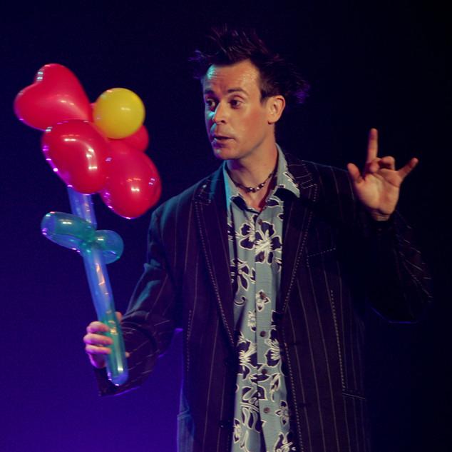 magicien sculpteur ballons vendee