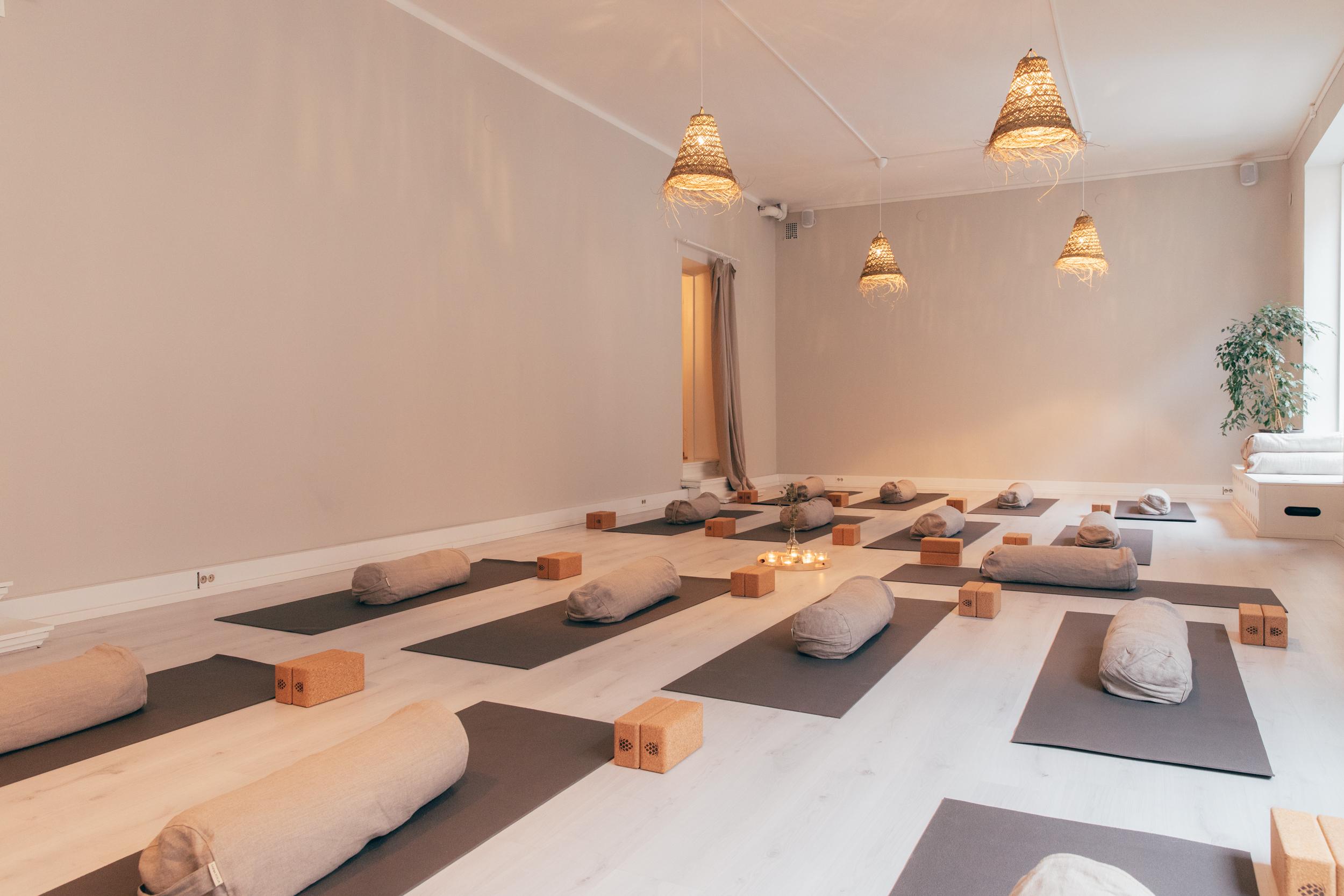 Roots Tilat Yoga Sali