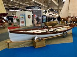 white hull version