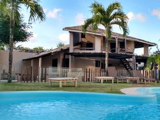 piscina | praia do flamengo | hospedagem em salvador+-