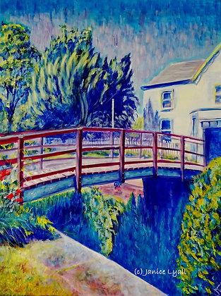'Sun beating down on Llanthony Lock House'