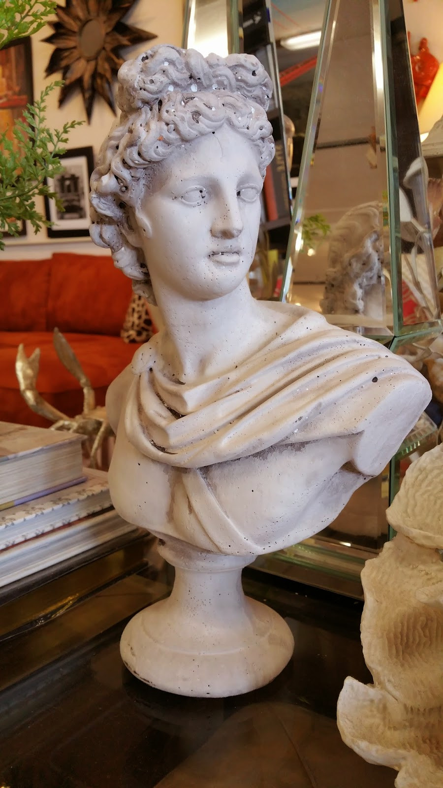 where can i find book ends statues home decor