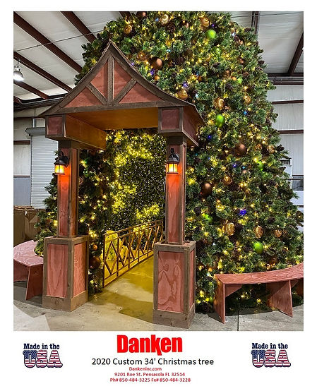 DK custom 2020 tree.jpg