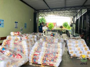 Entrega de 500 cestas de alimentos