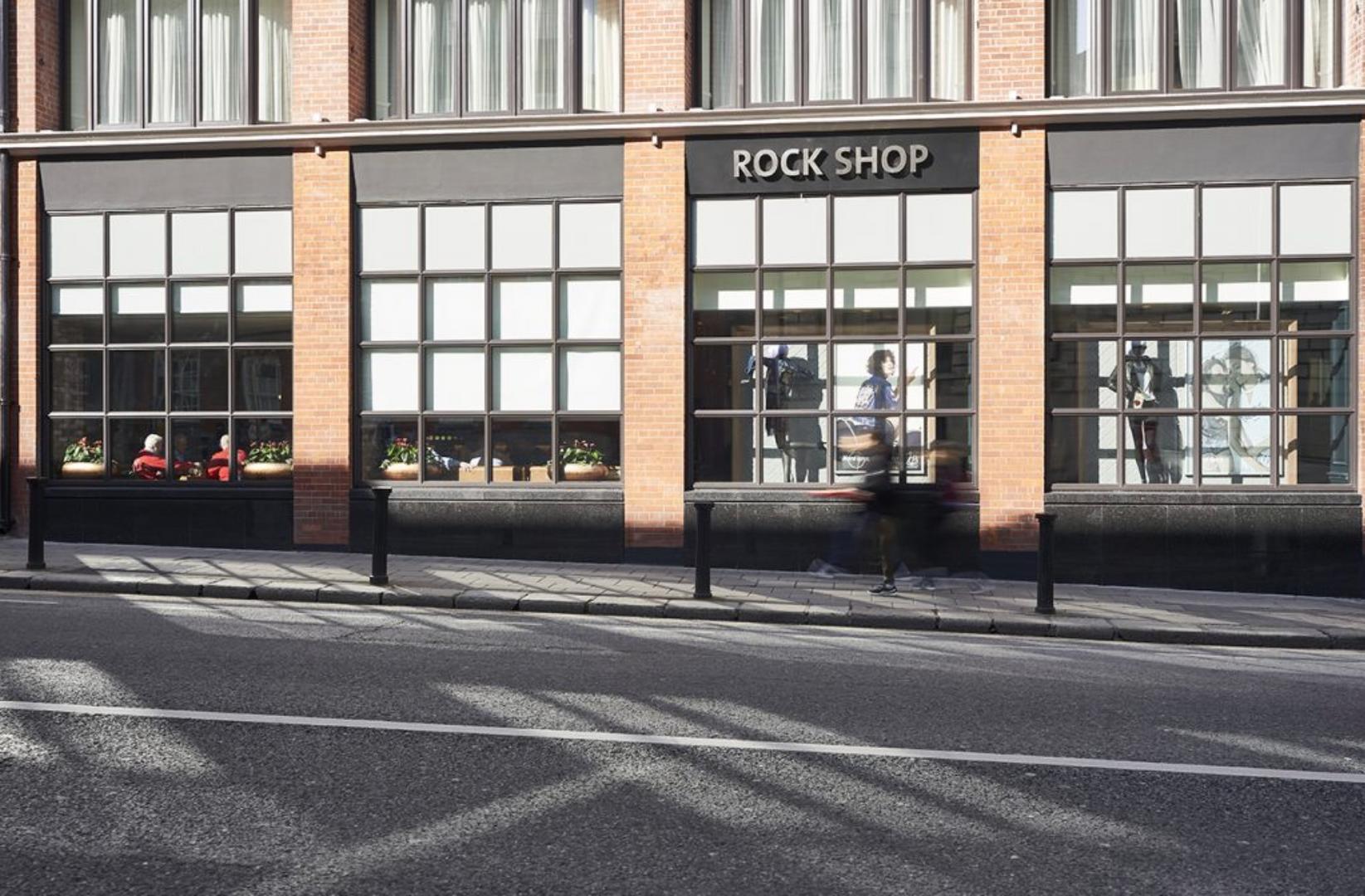 Hard Rock Dublin - Shop Windows