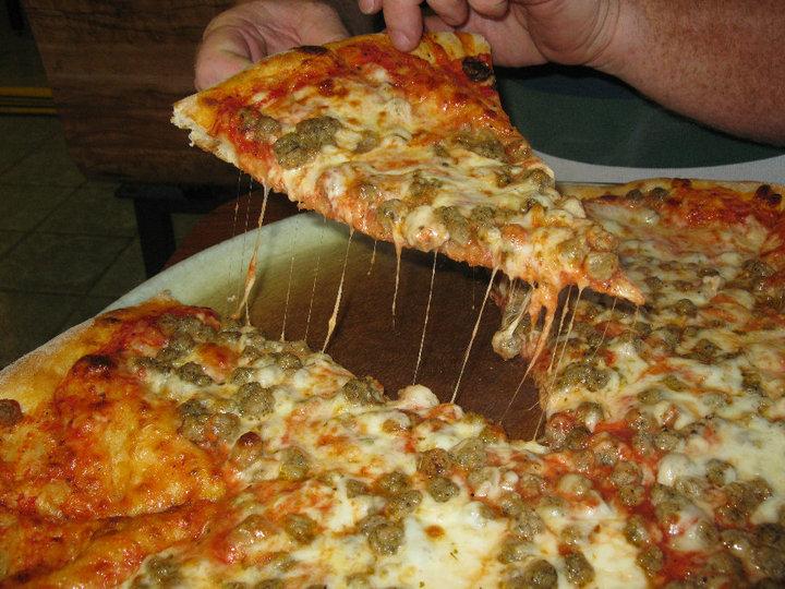 Umbertos Sausage Pizza