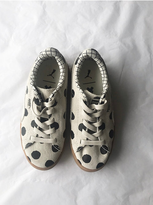PRE-LOVED TRAINERS