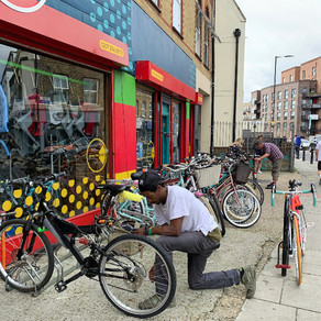ロックダウンが終わっても、これからも、自転車屋さんは忙しい。
