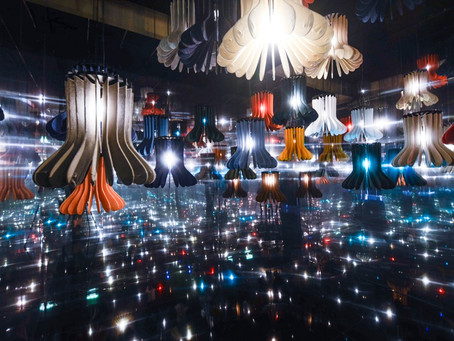 Casa Brutus 2019年11月号:ユニクロがロンドンで行った実験的かつ大規模な展覧会「LifeWear」。