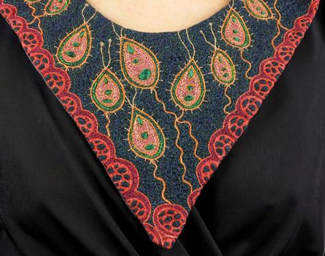 Lifeforms collar front detail