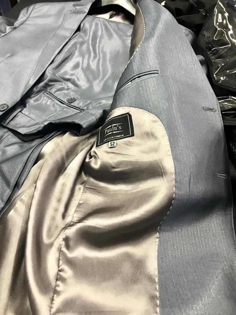 terno cinza brilhoso acetinado