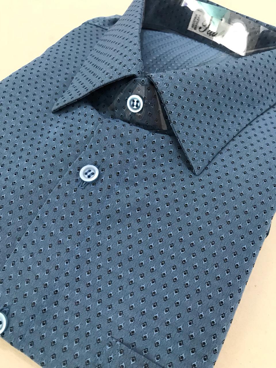 camisa desenho geométrico