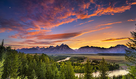 Magnificent sunset over the Tetons, Grand Teton National Park and the Snake River