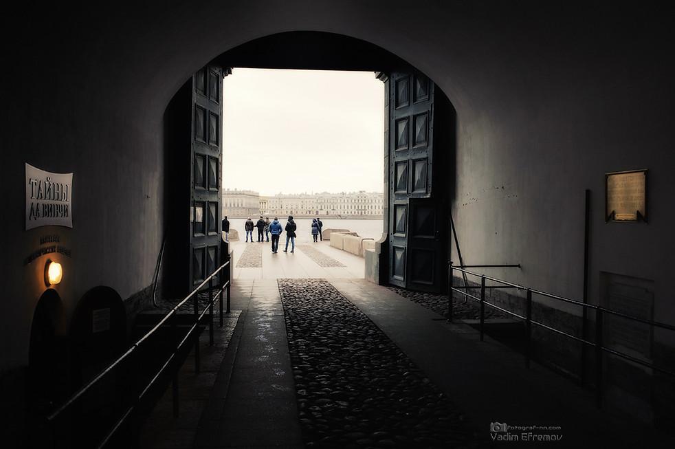 Невские ворота.